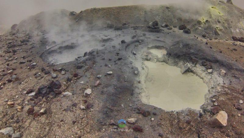 В кратер вулкана Мутновский, Камчатка